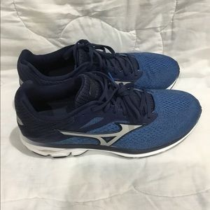Wave rider 23 running shoes